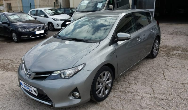 TOYOTA AURIS HYBRID ACTIVE full